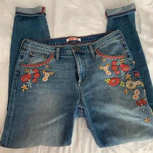 Johnny was embroidered jeans
